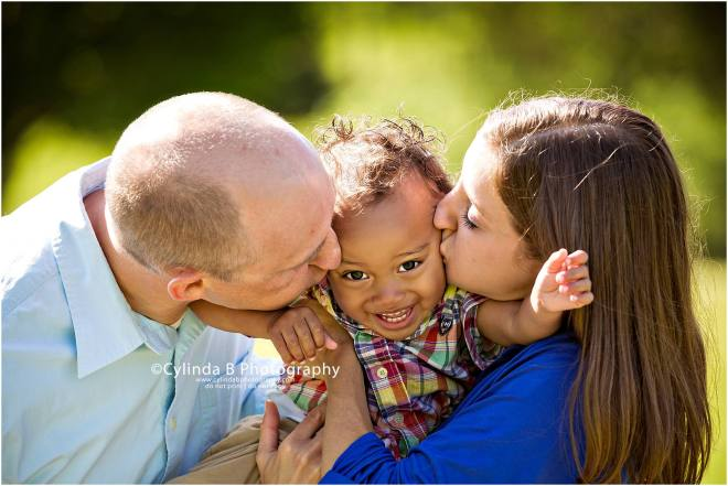 gillie lake, family, portrait, syracuse, ny, photography, photo, cylinda b photography, kiss