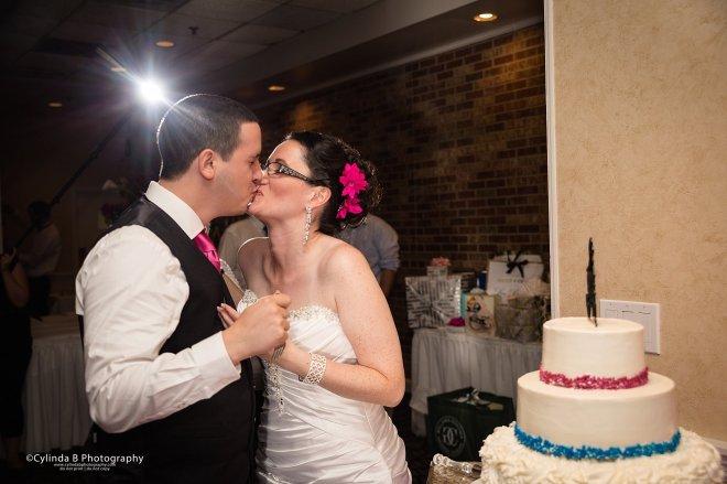 Justin's Tuscan Grill, Wedding, Syracuse Wedding, Photographer, Cylinda B Photography, Upper onondaga park-21