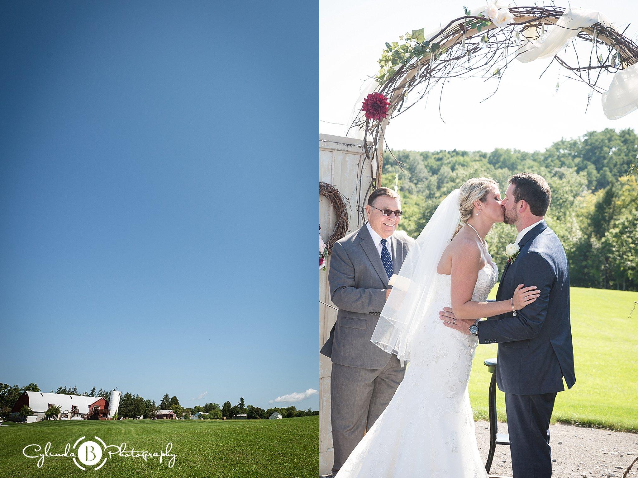 A Hayloft on the Arch Wedding | Vernon, NY | Jen & Josh – Cylinda B ...