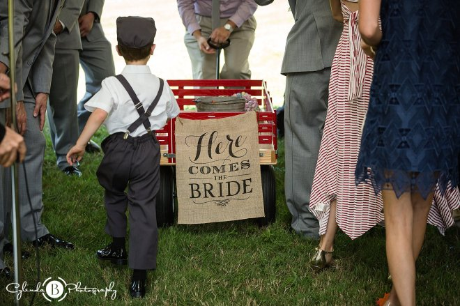 outdoor-rustic-wedding-syracuse-wedding-photographer-cylinda-b-photography-29