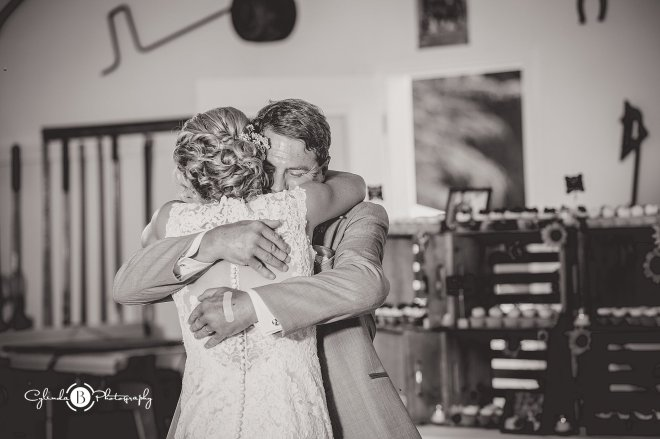 outdoor-rustic-wedding-syracuse-wedding-photographer-cylinda-b-photography-82