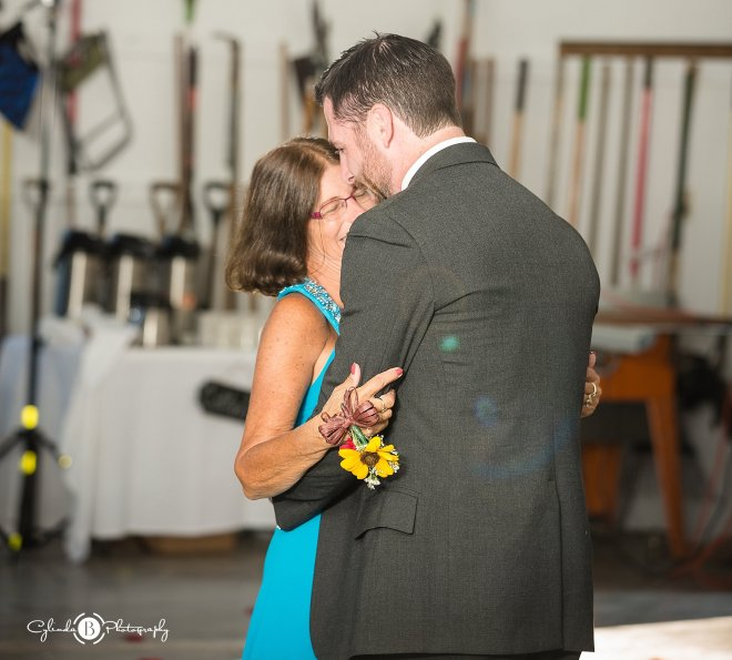 outdoor-rustic-wedding-syracuse-wedding-photographer-cylinda-b-photography-84