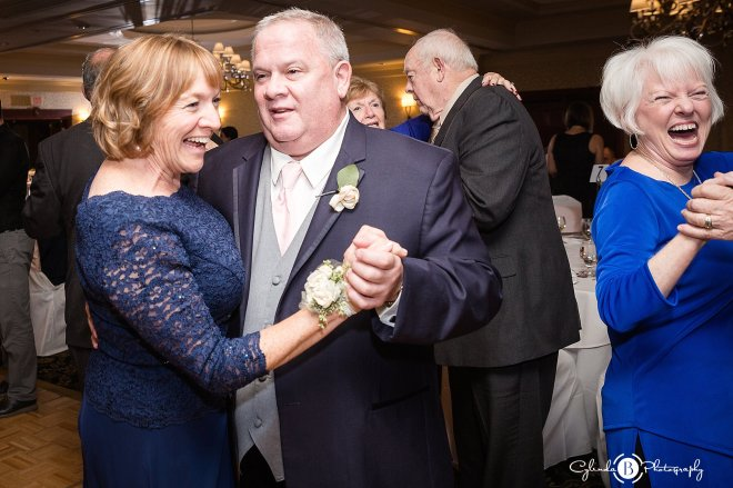 turning-stone-wedding-syracuse-wedding-photography-vernon-ny-cylinda-b-photography-41