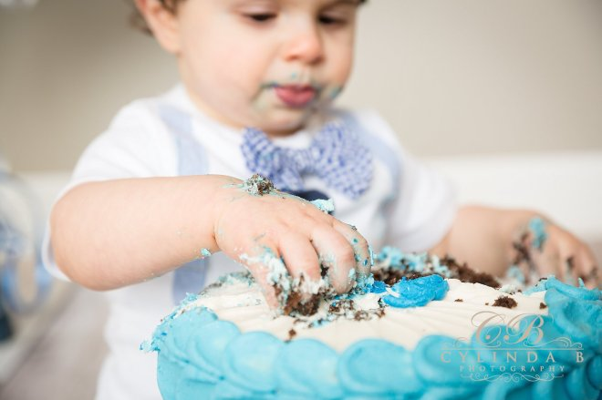 syracuse-cake-smash-children-photography-syracuse-cylinda-b-photography-11