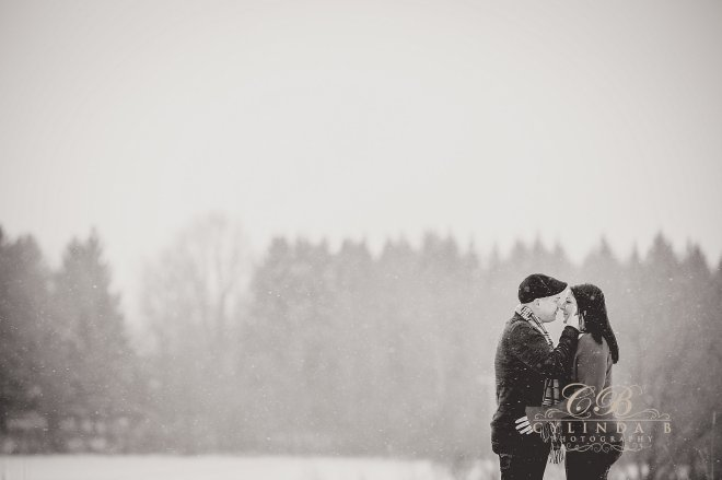 syracuse-engagement-outdoor-farm-engagement-syracuse-wedding-photographer-5