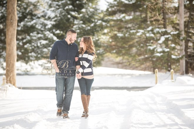 syracuse-engagement-winter-engagement-photography-photo-cylinda-b-photography-syracuse-wedding-photography-the-farm-10
