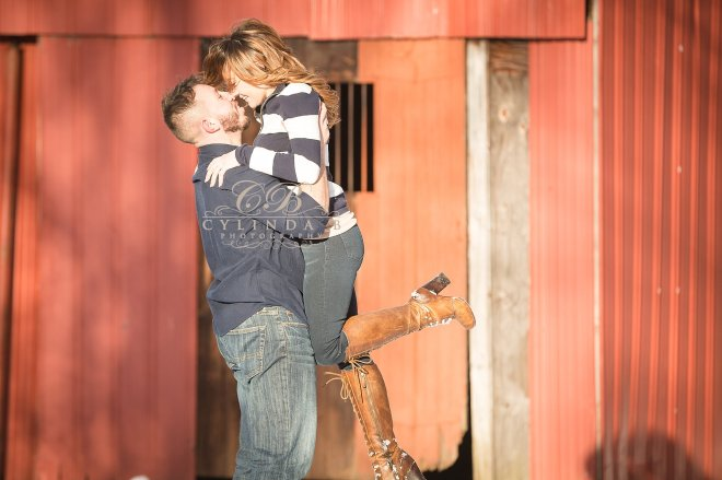 syracuse-engagement-winter-engagement-photography-photo-cylinda-b-photography-syracuse-wedding-photography-the-farm-14