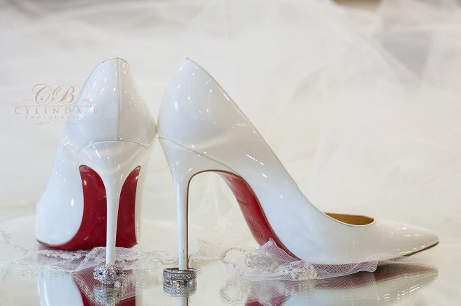 louboutin, shoes, the lodge at welch allyn, skaneateles wedding