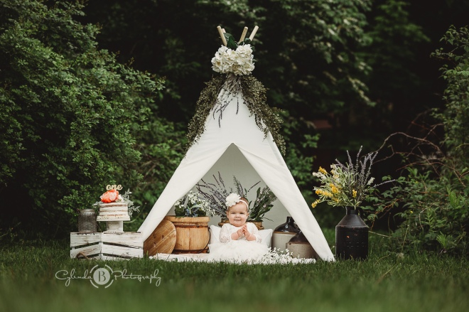 Syracuse baby photographer, cake smash session, one year old photo session, outdoor photo session, cake smash, tent, set up